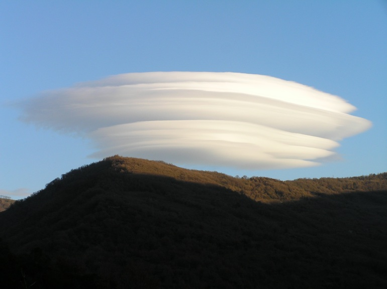 Weekend Photo: Etna UFO