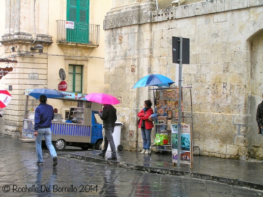 A drizzly Corsa Vittorio Emanuele. Noto Syracuse.